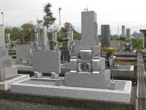 CGを現在の墓地の写真と合成して、完成後のイメージをお示しします。